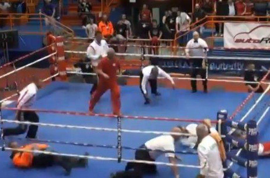 V.Lončaras mušė teisėją, o Lietuvos boksininkas pabėgo iš ringo