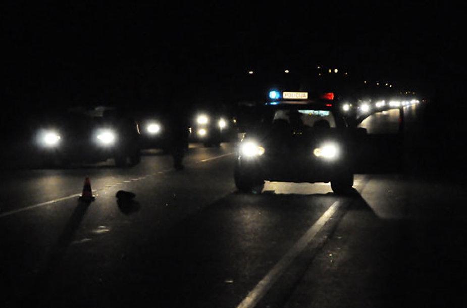 Policija užmiesčio kelyje
