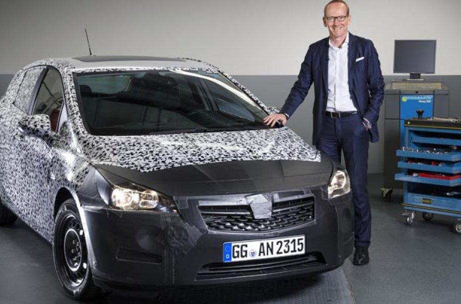 """Užmaskuota """"Opel Astra"""""""