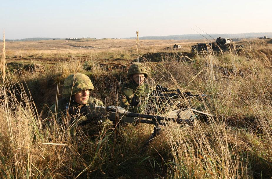 Lietuvos kariai integravimosi pratybose Lenkijoje