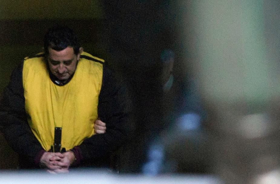 Garsus Čilės kunigas Oscaras Munozas – jau suimtas