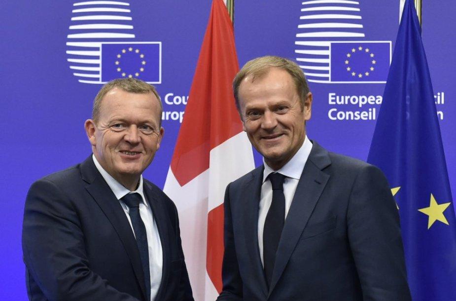 Danijos premjeras Larsas Lokke Rasmussenas ir Donaldas Tuskas