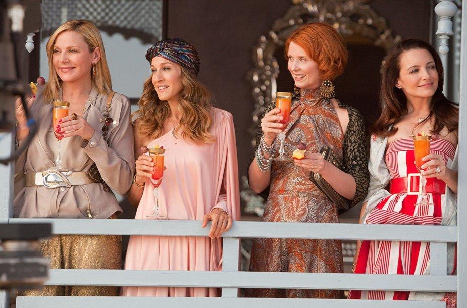 "Kim Cattrall, Sarah Jessica Parker, Cynthia Nixon ir Kristin Davis filme ""Seksas ir miestas 2"" (2010 m.)"