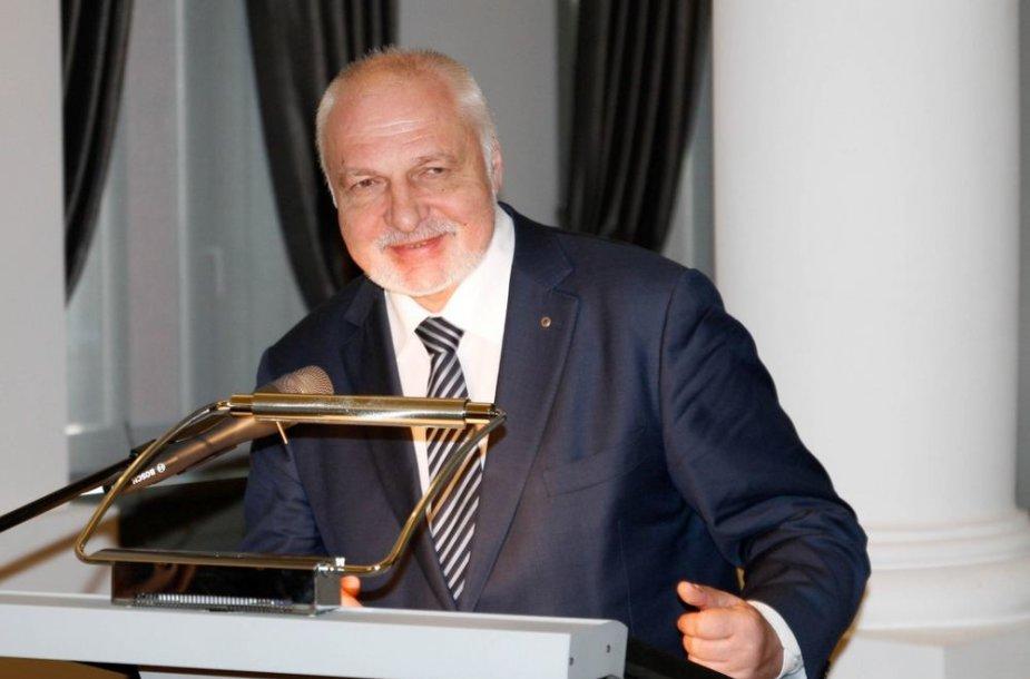 Aplinkos ministras Valentinas Mazuronis sveikina dalyvius ir organizatorius