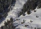 Šveicarijoje nuslinkus lavinai, žuvo vienas žmogus, dar du sužeisti