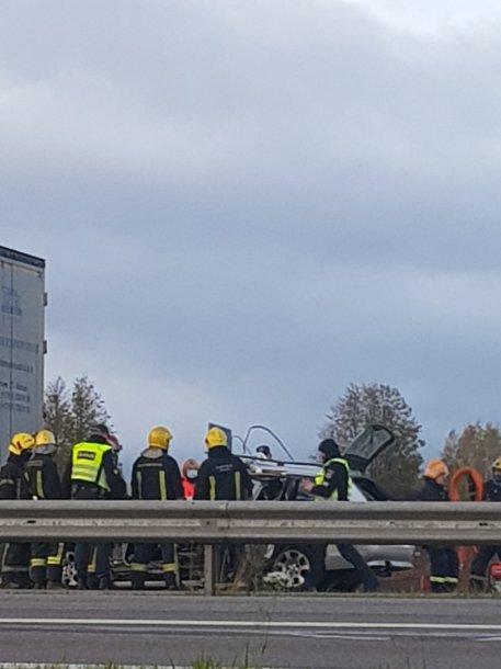 Vilniaus rajone susidūrė vilkikas ir BMW