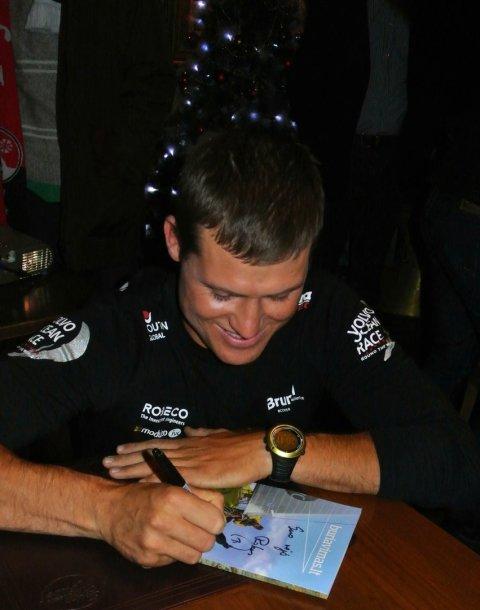 Trumpam grįžęs į Lietuvą buriuotojas Rokas Milevičius susitiko su gerbėjais (buriuomene)  2014 m. gruodžio 17 d.