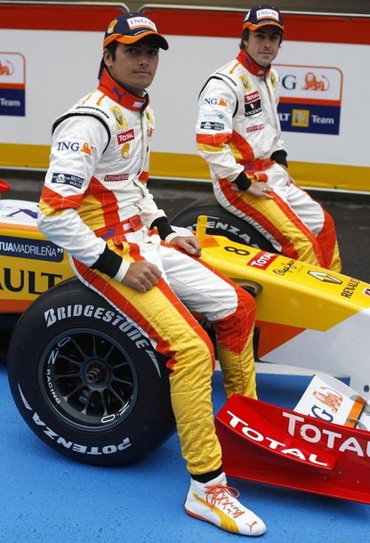 """""""Renault"""" komanda: 27 m. Fernando Alonso iš Ispanijos ir 22 m. Nelsonas Piquet jaunesnysis iš Brazilijos"""