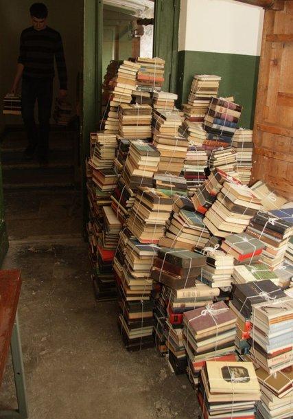 Vilniaus universiteto biblioteka kasmet nurašo po 20-30 tūkst. kg knygų, tačiau makulatūros dėl stojusios rinkos supirkti neatsiranda kam.
