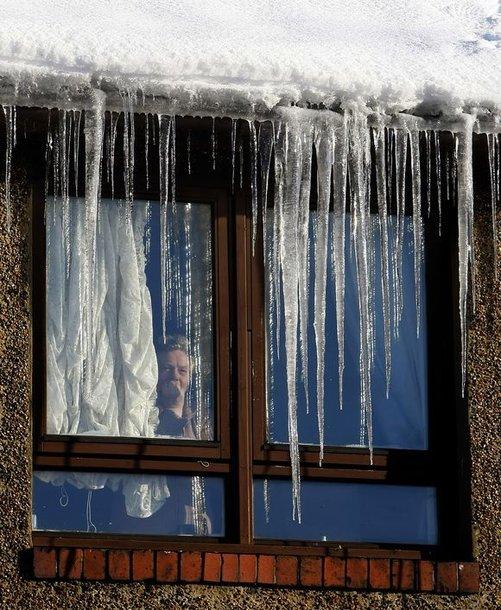 Ledo skulptūros papuošė ne vieną stogą.