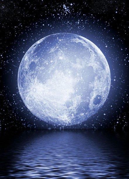 Jau galima tapti Mėnulio dalelės savininku