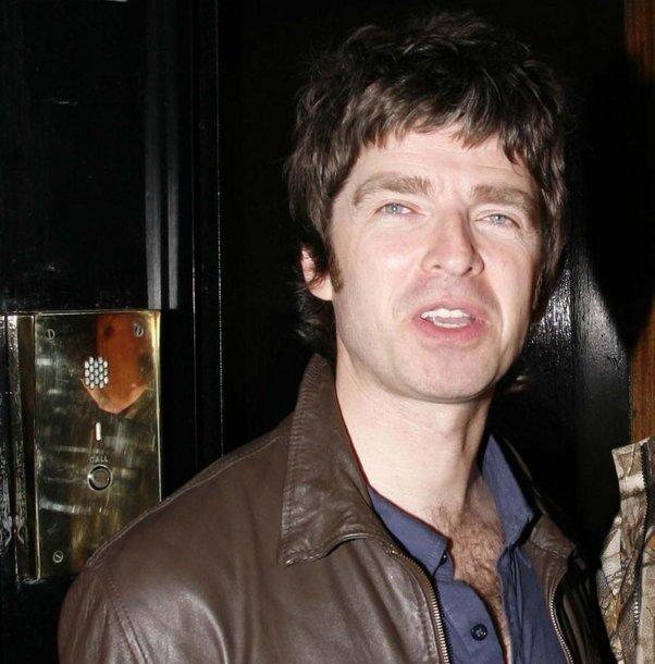 "Grupės ""Oasis"" gitaristas Noelis Gallagheris"