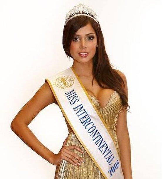 """Konkurso """"Miss Intercontinental"""" pernai metų laimėtoja Christina Camargo"""