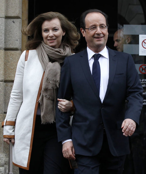 Francois Hollande'as ir jo palydovė Valerie Trierweiler