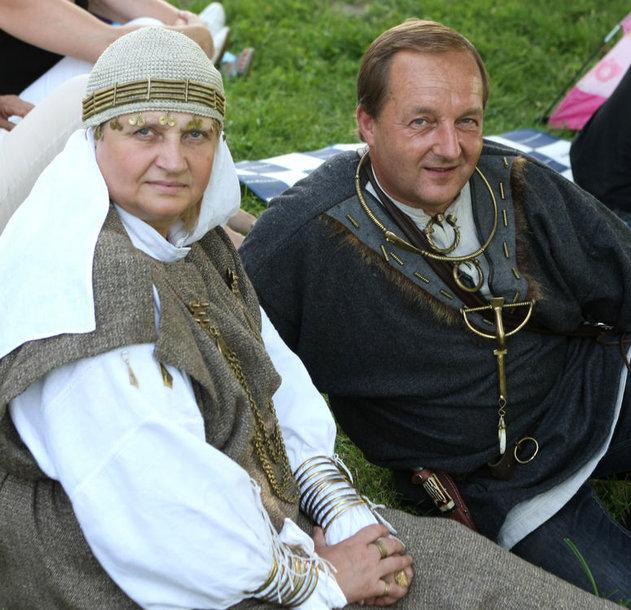 Seimo Darbo partijos frakcijos narys Gediminas Jakavonis su žmona
