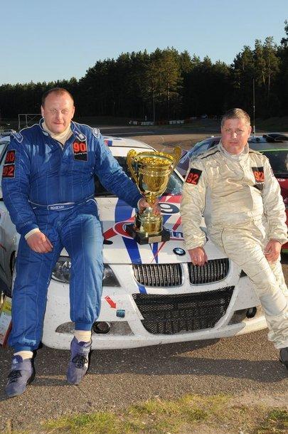 4 valandų trukmės lenktynes trečiąkart šiemet laimėjo R.Blažulionio ir S.Vitkausko ekipažas, važiavęs BMW 330D automobiliu