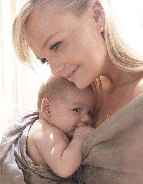 Emma Bunton su antruoju sūnumi Tate'u.