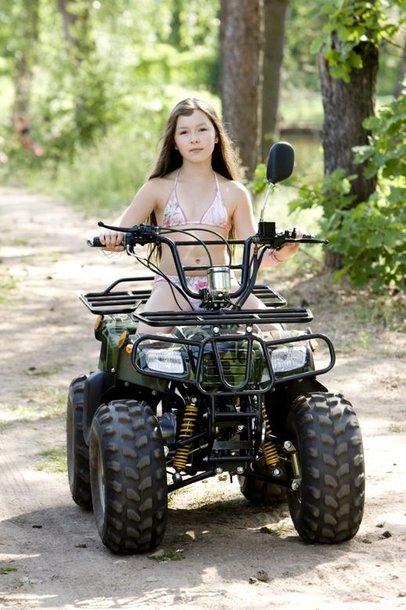 Foto naujienai: Už gerą mokymąsi - motociklas dovanų