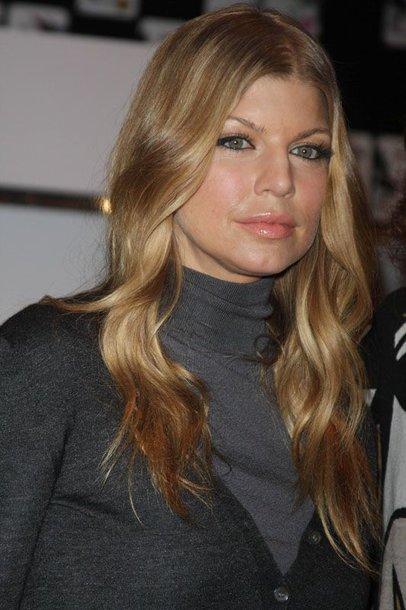 Foto naujienai: Fergie perdainavo M. Jacksono dainą