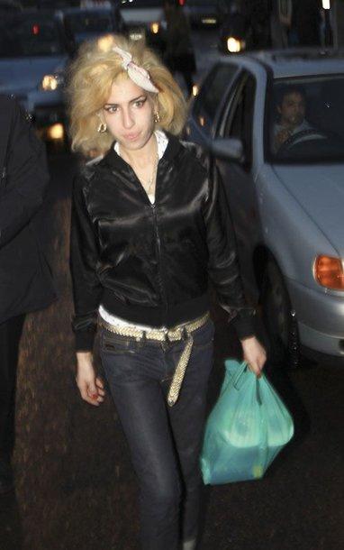 Foto naujienai: Amy Winehouse, trenkusi fotografui, sulaukė policijos dėmesio