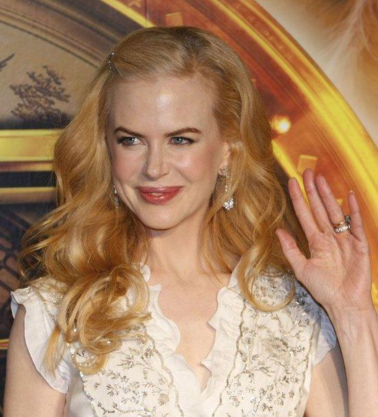 Foto naujienai: Nicole Kidman panaši į šikšnosparnį?