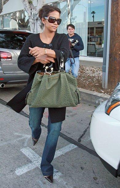 Foto naujienai: Halle Berry pagimdė mergaitę