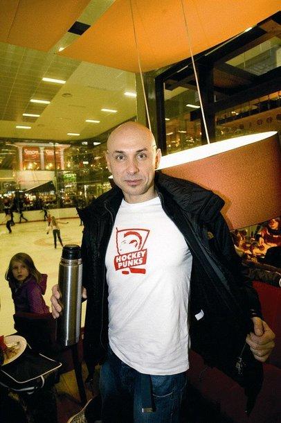 Foto naujienai: Marius Šmitas vis dar su arbatos termosu