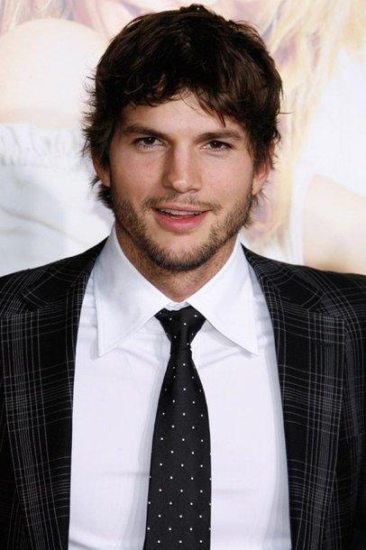 Foto naujienai: Ashtonas Kutcheris mąsto apie karjerą pornografijos srityje