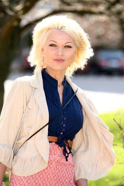 """Foto naujienai: Genutė Žalienė: """"Nerimtų pasiūlymų nepriimu!"""""""