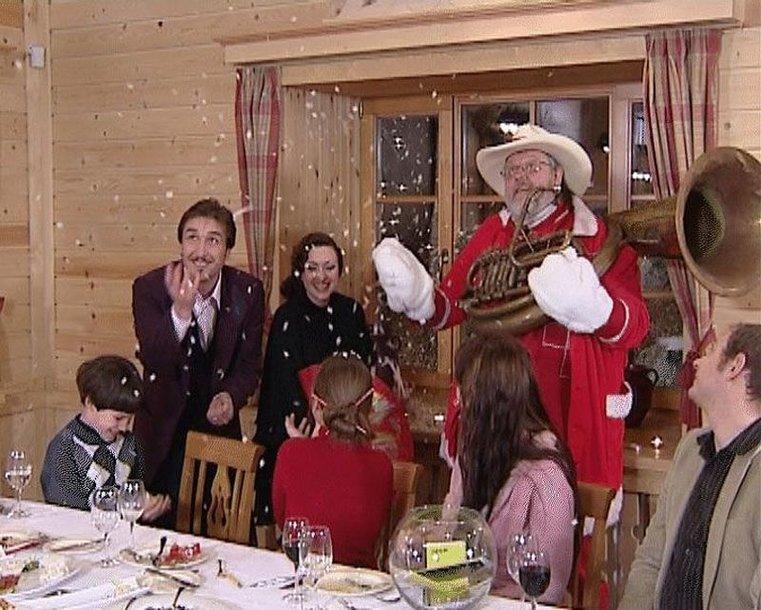"""Foto naujienai: Šventinėje """"DiArchy kodo"""" laidoje Kalėdų Seneliu taps Virgis Stakėnas!"""
