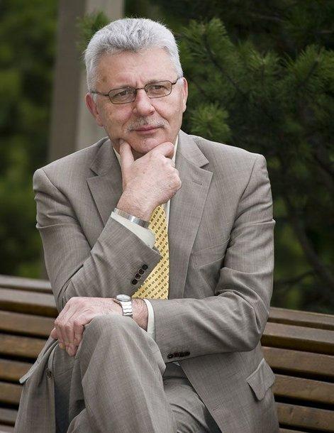 Foto naujienai: Algimantas Salamakinas: ne kiekviena melžėja gali valdyti šalį