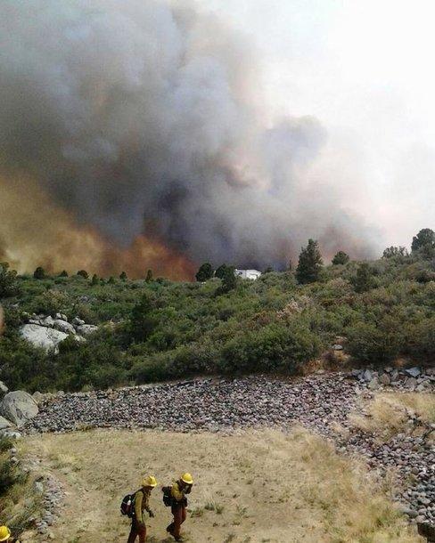 Miškų gaisrai Arizonoje plečiasi itin sparčiai.