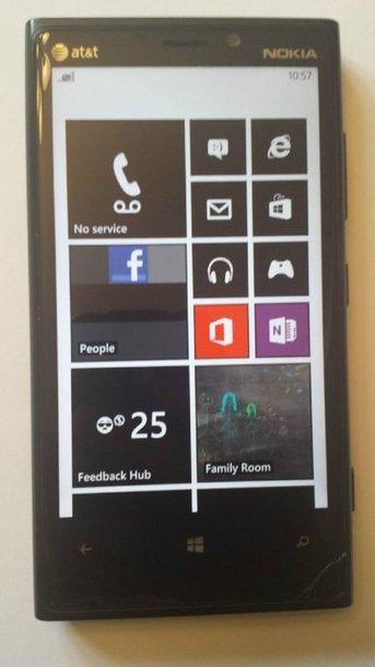 """Telefonas """"Nokia Lumia 920"""" su dar neišleista operacine sistema """"Windows Phone 8.1"""""""