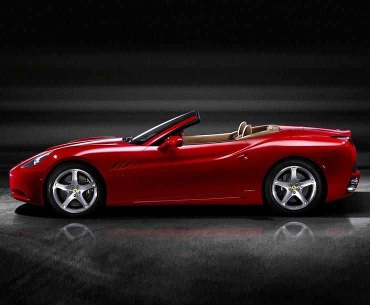 """2008 metais """"Ferrari"""" padidino pardavimų apimtis"""
