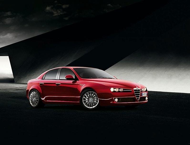 """Atnaujinta """"Alfa Romeo 159"""" – pirmosios nuotraukos"""