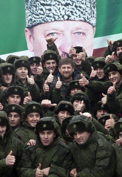Čečėnijos lyderis Ramzanas Kadyrovas su šauktiniais