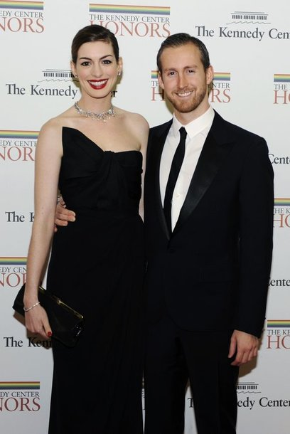 Anne Hathaway ir Adamas Shulmanas