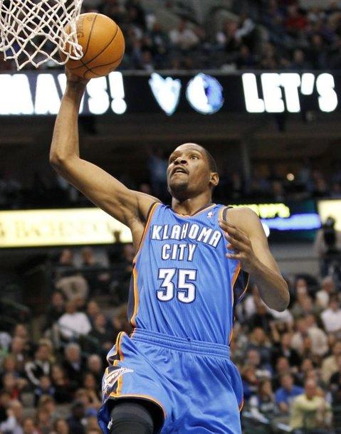 """Atakuoja """"Thunder"""" puolėjas Kevinas Durantas."""