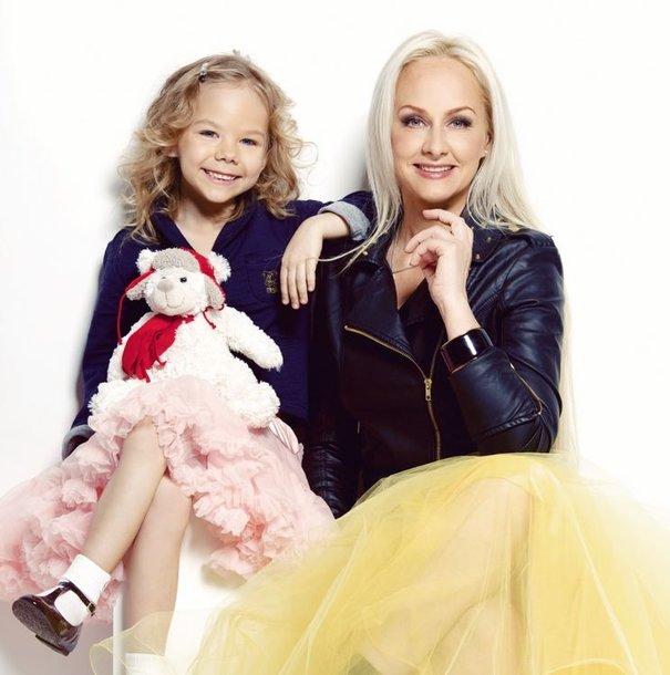 Diana Dargienė su dukra Une