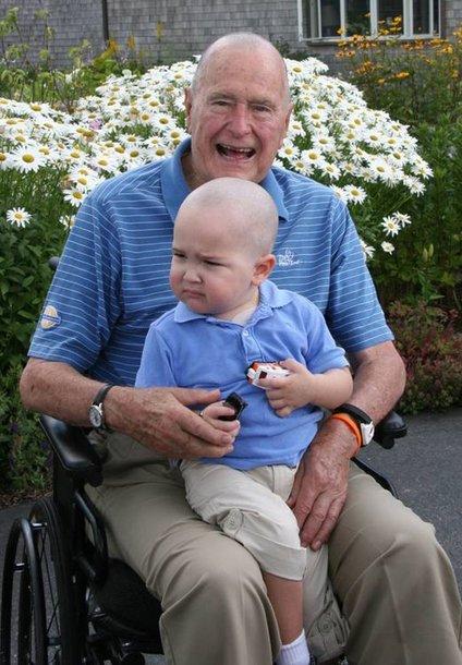 George'as H.W.Bushas su leukemija sergančiu Patricku