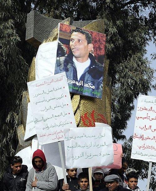 Plakatas su Mohamedo Bouazizi atvaizdu