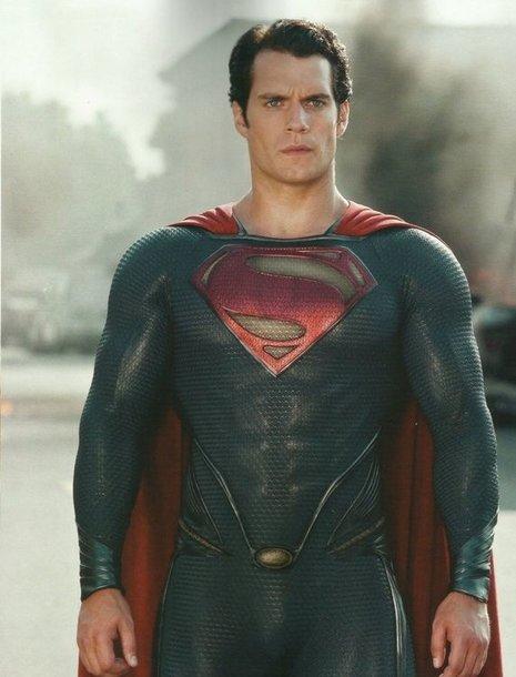 Supermeną įkūnijusio iki šiol mažai žinomo 30-mečio aktoriaus Henry Cavillo populiarumas auga kaip ant mielių.