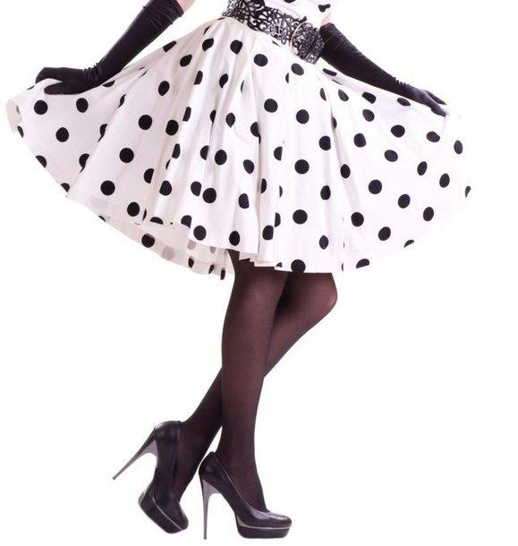 Taškuotas sijonas