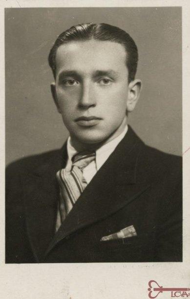 Aviatorius, rašytojas ir žurnalistas Jonas Dovydaitis. 1938 m. Fotonuotrauka.  Lietuvos centrinis valstybės archyvas, P-03069.