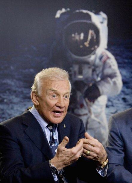 Astronautas Buzzas Aldrinas