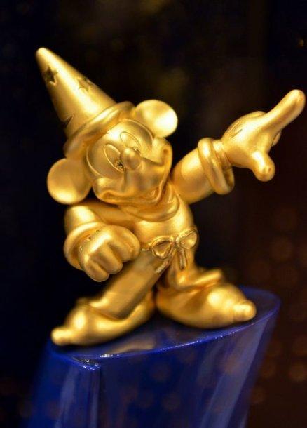 Auksinė peliuko Mikio figūrėlė (kaina – 27 tūkst. litų)