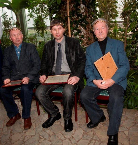 Aukso vainiko laureatai (iš kairės) Steponas Kaminas, Virgilijus Mikuckis, Pranas Dužinskas