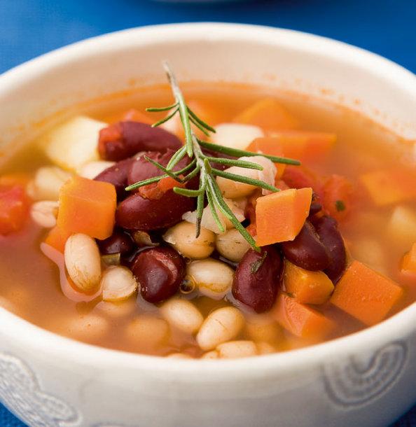Aštri pupelių sriuba