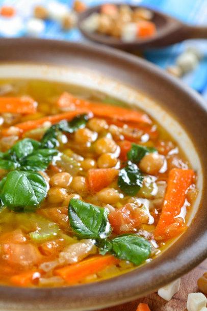 Avinžirnių ir morkų sriuba