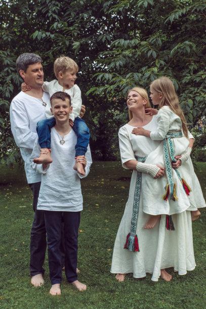 Loreta Sungailienė su vyru Daliumi ir vaikais Viliumi, Liepa bei Giriumi